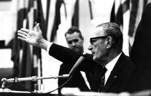 Análise (1968): Não teria referendo lei sobre municípios