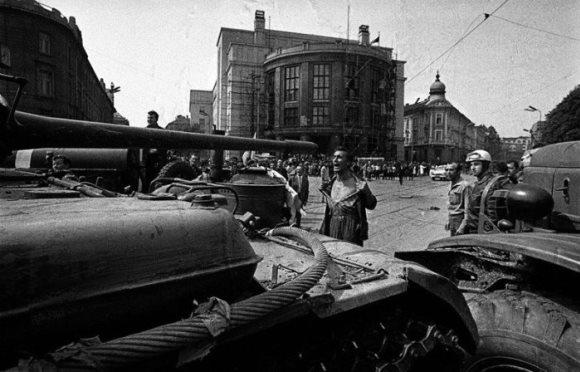 Reportagem de 1968: O Brasil e a crise checa