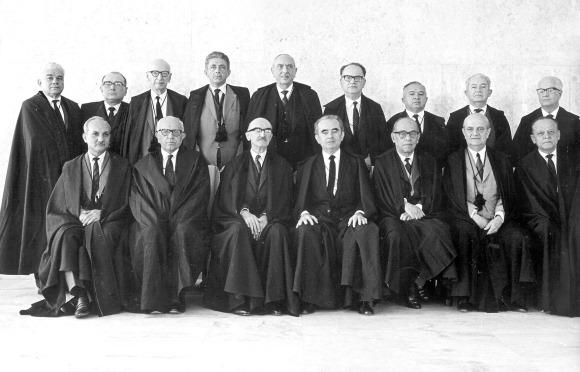Comentário (1968): Esperança é rejeição no Supremo