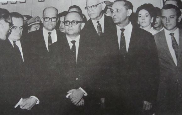 Comentário (1968): O Congresso apavorado