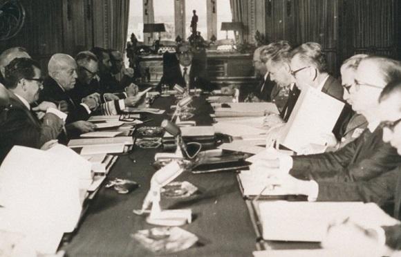Artigo de 1970: O senador, um espécime em fase de extinção
