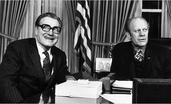 Artigo de 1974: EUA: Rockefeller vai conseguir poder como vice?