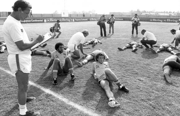 Matéria de 1982: Copa do Mundo: O bicho da Copa