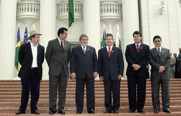 Artigo de 2003: Para que servem os governadores?
