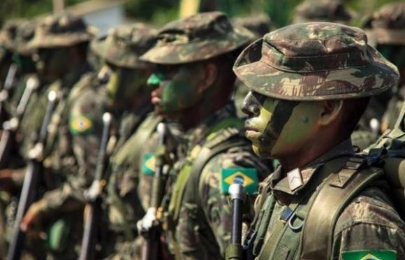 Artigo de 2004: Militares e democracia