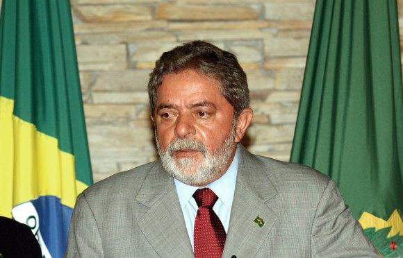 Artigo de 2005: Blindagem de Lula depende dele mesmo