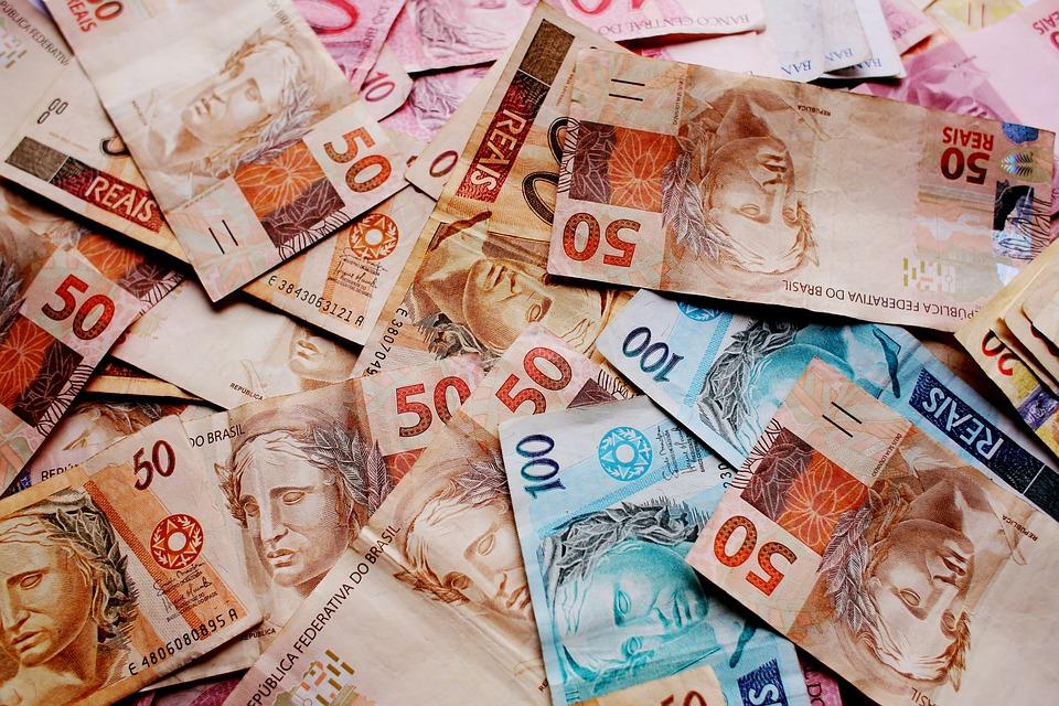 As colunas do Ministério da Justiça e cada real de aumento no salário mínimo