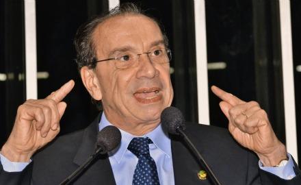 Em discurso na tribuna do Senado, senador Aloysio Nunes Fereira (PSDB-SP).