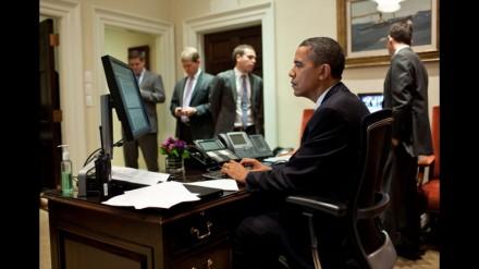 Barack-Obama-acompanha-a-votação-no-Senado