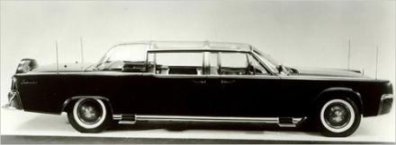 Carro Lincoln Continental modelo 1961, no qual Kennedy foi assassinado