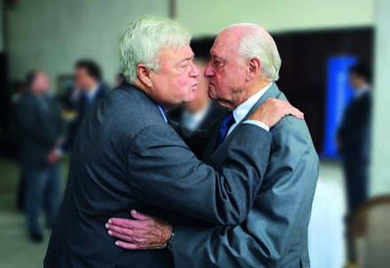 PARCERIA NA FITA Depois do escândalo, Teixeira e Havelange já renunciaram aos cargos na CBF e no COI (Foto: Wilton Junior / AE)