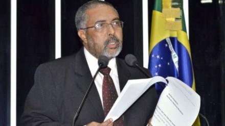 Em meio às greves federais, senador Paulo Paim dificulta projeto de regulamentação (Foto: Agência Câmara)