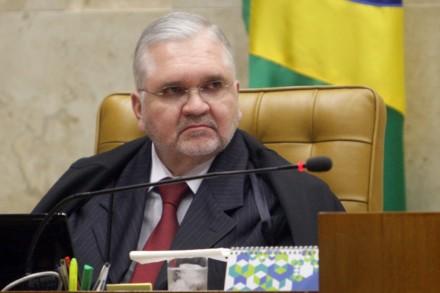 O procurador-geral Gurgel: em tese, revelações de VEJA podem dar origem a um novo processo sobre o mensalão, com Lula como acusado (Foto: Fellipe Sampaio / STF)