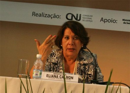 Ministra Eliana Calmon, com sua língua afiada