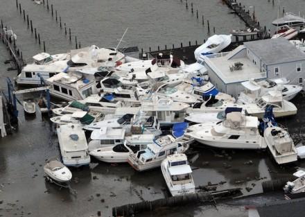Barcos empilhados em uma marina em Brant Beach, na ilha de Long Beach em Nova Jersey Shore, em 30 de outubro, um dia após o furacão Sandy passar pelas ilhas de Nova Jersey (Foto: Clem Murray / Philadelphia Inquirer)