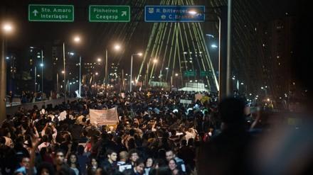 """PROTESTOS: Ué, não estava tudo bem no Brasil? Cadê o """"nunca antezneztepaiz"""" do lulo-petismo?"""