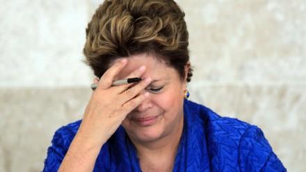 """PROTESTOS: Recuo de Dilma menos de 24 horas depois de propor plebiscito e """"constituinte"""" para reforma política é um sinal alarmante de que o governo está perdido, está no mato sem cachorro"""