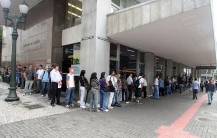 """""""Na Receita Federal, o tratamento aos contribuintes é, sistematicamente, humilhante!"""" (Foto: Priscila Forone / Gazeta do Povo)"""