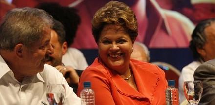 Dilma deixar que Lula mande em seu governo é inédito — e também humilhante e ridículo. É útil um presidente avistar-se com antecessores — mas não receber ordens de um deles