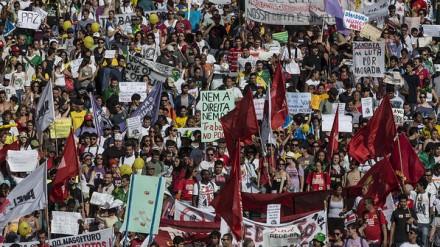 2-manifestações-perto-do-mineirão-Antonio-Milena-440x247