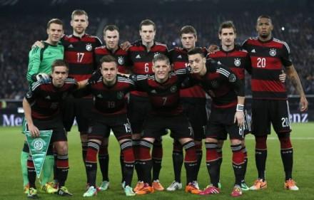 A seleção alemã, retratada em março, é a aposta dos leitores do blog para ganhar a Taça (Foto: Reuters)