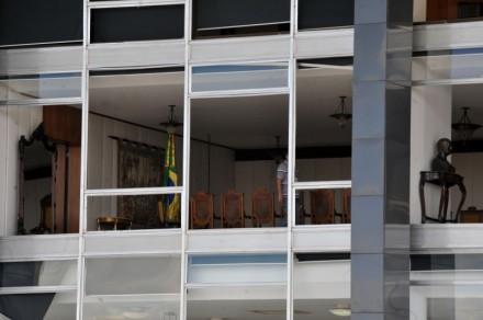 Os caças da FAB que estouraram os vidros do edifício do Supremo me trouxeram más recordações. Estamos em 1965, durante a ditadura e…