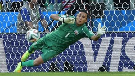 Keylor Navas, goleiro que pegou tudo com a Costa Rica na Copa 2014: novidade no elenco (Foto: Directv)