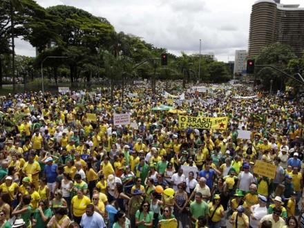 BELO HORIZONTE: O verde e amarelo tomou conta das ruas