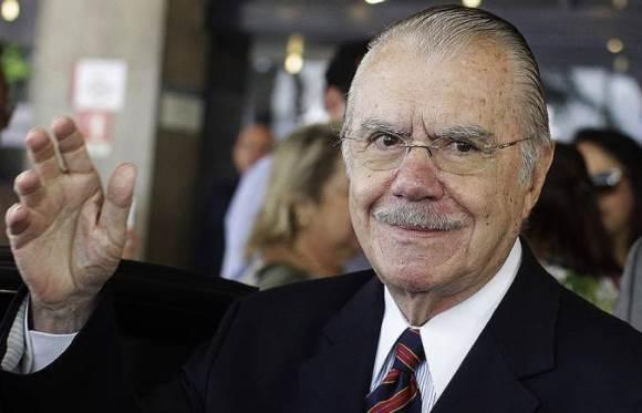 Com Sarney já fora do Senado, proposta sua de mudança na Constituição terminaria com a absurda data de 1º de janeiro para a posse de presidentes. O problema é que, se aprovada, a emenda daria 15 dias mais de mandato para Dilma