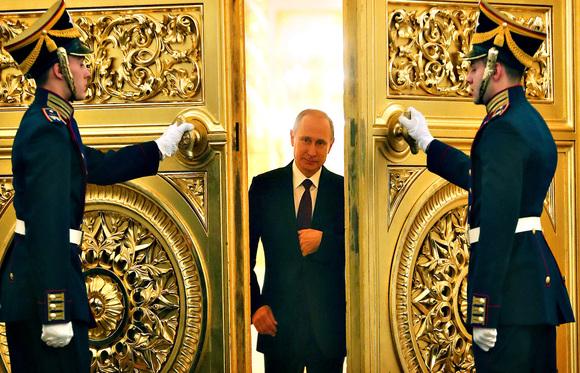 """A Rússia ronca grosso — mas o """"império"""" de Putin tem pés de barro"""